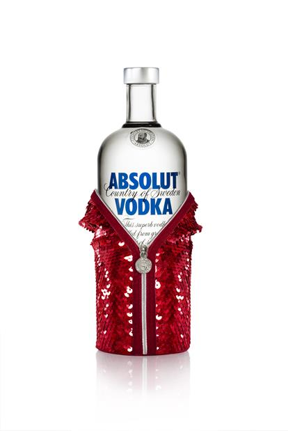 Turn An Ordinary Night Into A Glamorous Masquerade With The New Gift Pack From Absolut