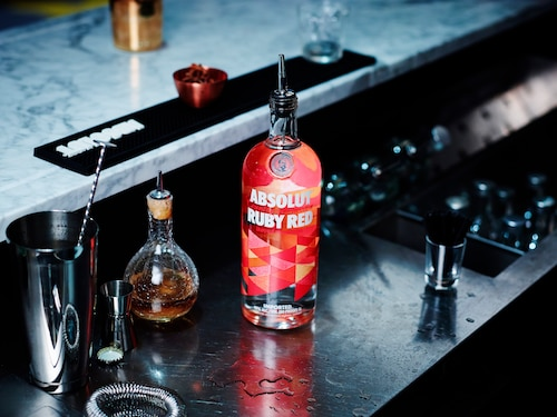 ABSOLUT Flavours redesign - ENVIRONMENT - RUBY RED.jpg