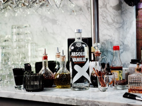 ABSOLUT Flavours redesign - ENVIRONMENT - VANILIA.jpg