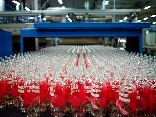 ABSOLUT Flavours redesign - PRODUCTION - RASPBERRI bottles out of oven.jpg