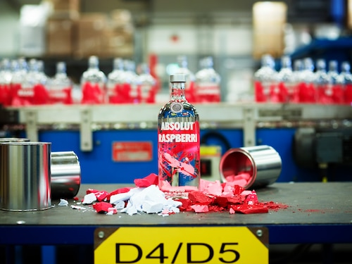 ABSOLUT Flavours redesign - PRODUCTION - RASPBERRI.jpg