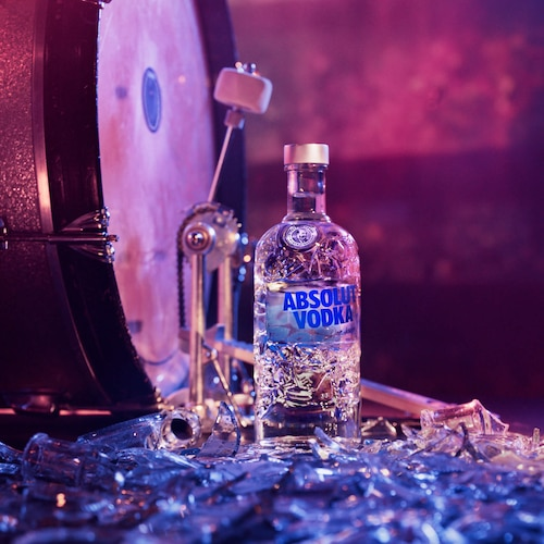 Absolut-Comeback_Bottle_Kickdrum_1_1_still.jpg